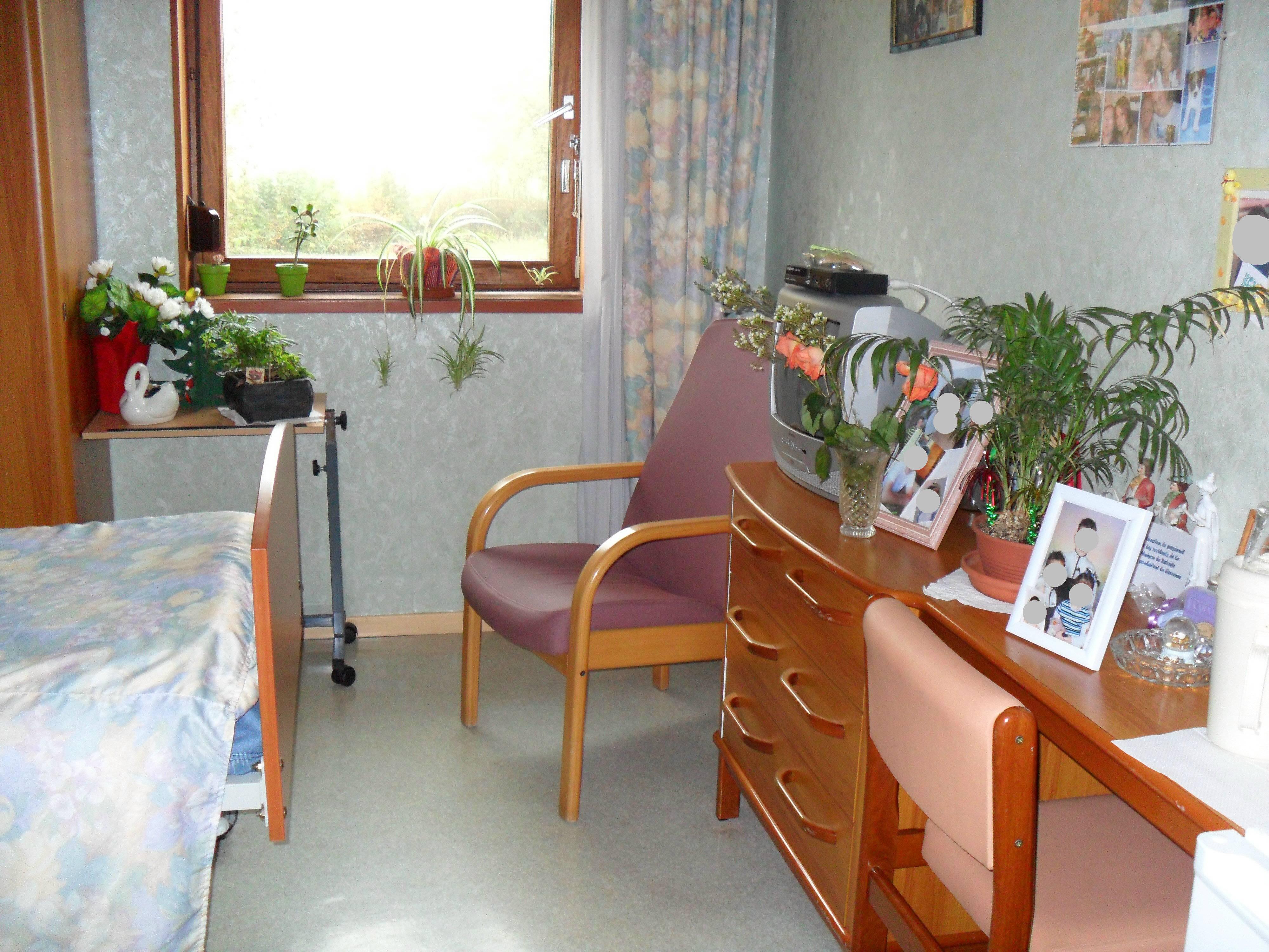 Ehpad maison de retraite la roseraie sains du nord maisons de retraite - Acheter une chambre en maison de retraite ...
