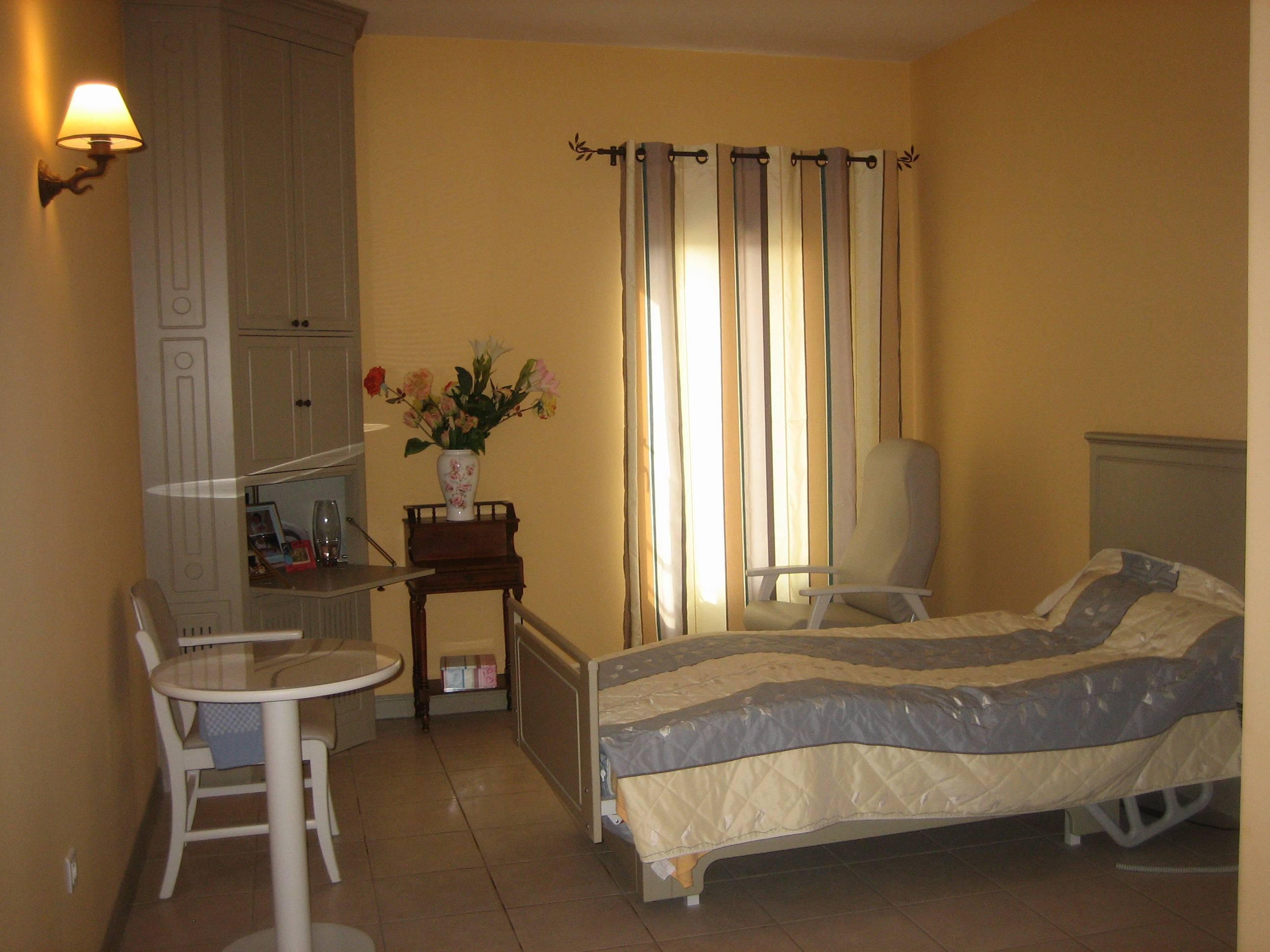 Maison de retraite r sidence prosper mathieu chateauneuf du pape maisons - Acheter une chambre en maison de retraite ...
